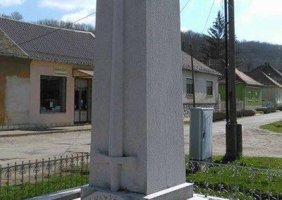 Szászvár-Császta világháborús emlékmű 2016.03.20. küldő-Miki (4)