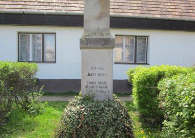 Szátok I. világháborús emlékmű 2012.04.25. küldő-kalyhas (1)