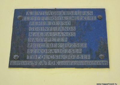 Szátok II.világháborús emléktábla 2012.04.25. küldő-kalyhas (2)