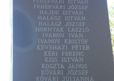 Százhalombatta II.vh emlékmű 2008.08.14. küldő-Huszár Peti (4)
