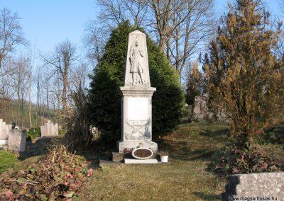 Szécsény-Benczurfalva világháborús emlékmű 2011.03.12. küldő-kalyhas