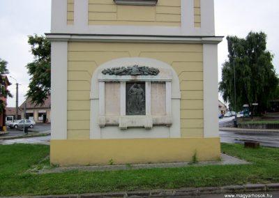 Szécsény I.vh emlékmű 2011.07.02. küldő-kalyhas (1)