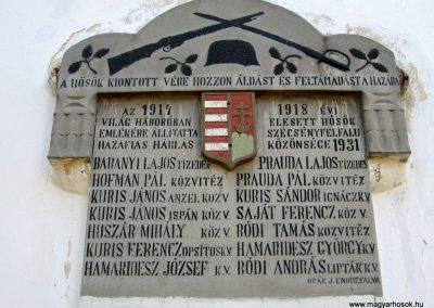 Szécsényfelfalu világháborús emléktáblák 2011.03.12. küldő-kalyhas (3)