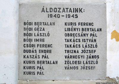Szécsényfelfalu világháborús emléktáblák 2011.03.12. küldő-kalyhas (4)