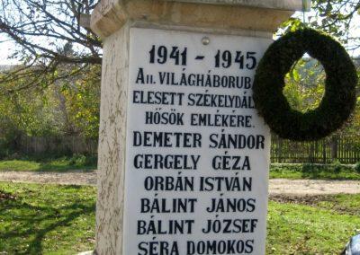Székelydálya világháborús emlékmű 2010.10.11. küldő-Tibisten (3)
