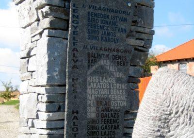 Székelylengyelfalva világháborús emlékmű 2010.10.11. küldő-Tibisten (5)