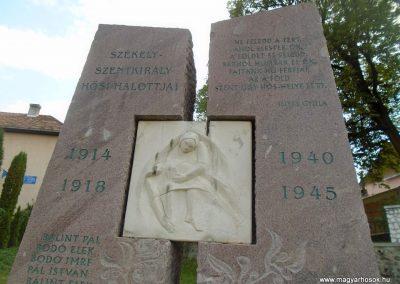 Székelyszentkirály világháborús emlékmű 2015.09.24. küldő-Mónika 39 (1)