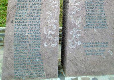 Székelyszentkirály világháborús emlékmű 2015.09.24. küldő-Mónika 39 (3)