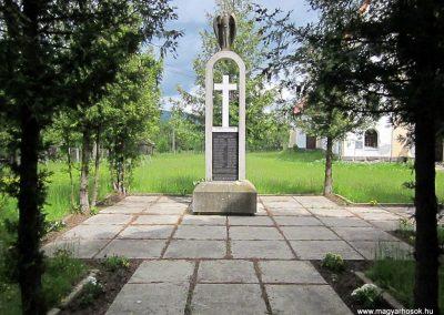 Székelyvarság világháborús emlékmű 2014.06.06. küldő-kalyhas (8)