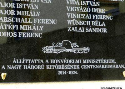 Székesfehérvár Ciszteri Gimnázium I. világháborús emléktábla 2014.09.30. küldő-Huber Csabáné (3)