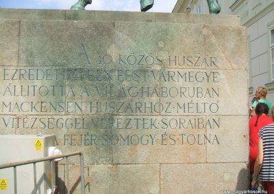 Székesfehérvár Huszáremlékmű 2009.08.20.küldő-Mimóza (3)