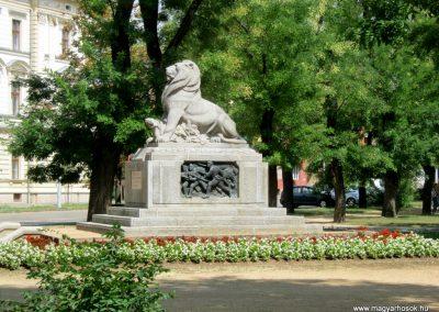 Székesfehérvár I. vh 17. gyalogezred emlékműve 2012.08.12. küldő-Emese (1)