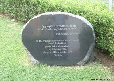 Székesfehérvár II.vh emlékmű 2007.10.04. küldő-bringásfecó (1)