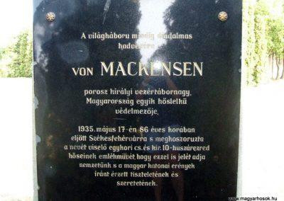 Székesfehérvár Szentlélek katonai temető világháborús emlékművek és sírok 2012.08.25. küldő-Mimóza (10)