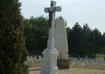 Székesfehérvár Szentlélek katonai temető világháborús emlékművek és sírok 2012.08.25. küldő-Mimóza (16)