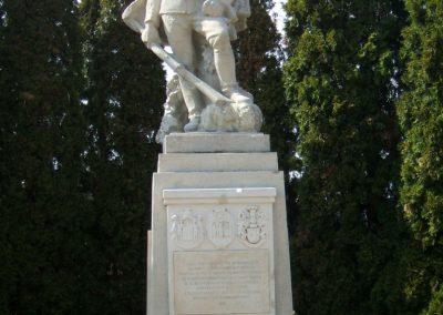 Székesfehérvár Szentlélek katonai temető világháborús emlékművek és sírok 2012.08.25. küldő-Mimóza
