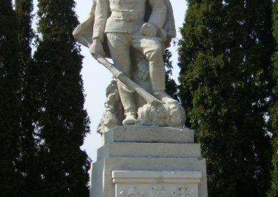 Székesfehérvár Szentlélek katonai temető világháborús emlékművek és sírok 2012.08.25. küldő-Mimóza (6)