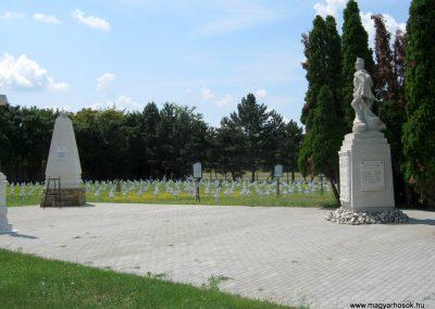 Székesfehérvár Szentlélek temető 2019.07.19. küldő-Bali Emese (5)