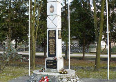 Szögliget világháborús emlékmű 2009.03.07.külő-Gombóc Arthur