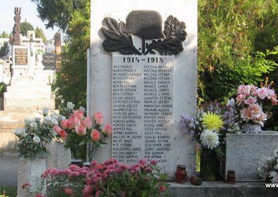 Szücsi világháborús emlékmű 2008.10.13.küldő-kalyhas (2)