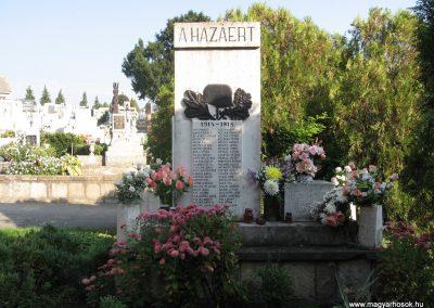 Szücsi világháborús emlékmű 2008.10.13.küldő-kalyhas