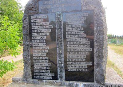 Szőc világháborús emlékmű 2013.08.22. küldő-kalyhas (4)