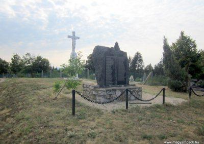 Szőc világháborús emlékmű 2013.08.22. küldő-kalyhas (5)