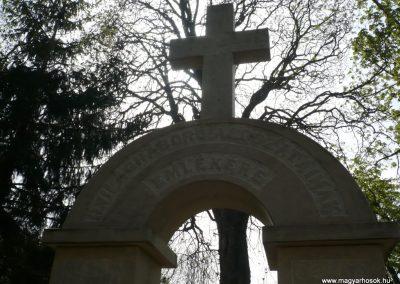 Szőkedencs II.vh emlékmű 2012.04.05. küldő-sümec (3)