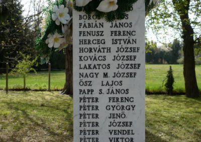 Szőkedencs II.vh emlékmű 2012.04.05. küldő-sümec (4)
