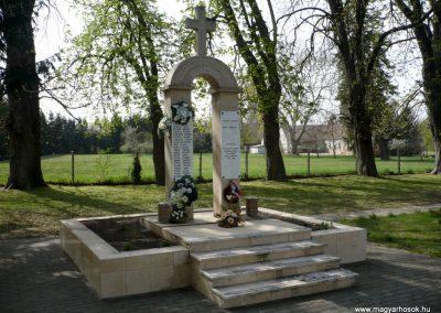 Szőkedencs II.vh emlékmű 2012.04.05. küldő-sümec