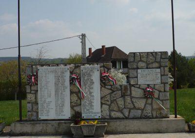 Szőlősgyörök Hősi emlékmű 2009.04.14.küldő-Sümec