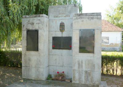 Szabás világháborús emlékmű 2012.06.28. küldő-Sümec (2)