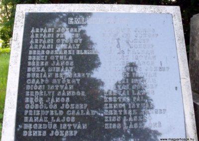 Szabadbattyán világháborús emlékmű 2010.06.08. küldő-Mimóza (3)