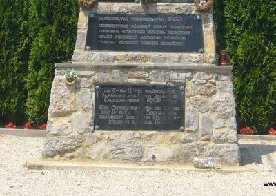 Szabadi világháborús emlékmű 2007.06.23. küldő-Zsóki (2)