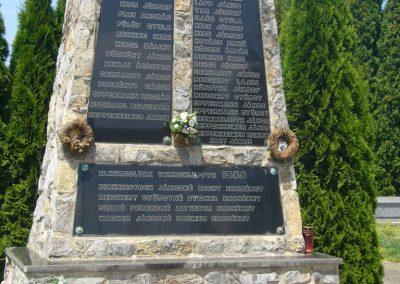 Szabadi világháborús emlékmű 2007.06.23. küldő-Zsóki (3)