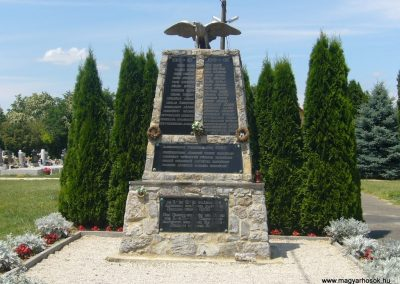 Szabadi világháborús emlékmű 2007.06.23. küldő-Zsóki