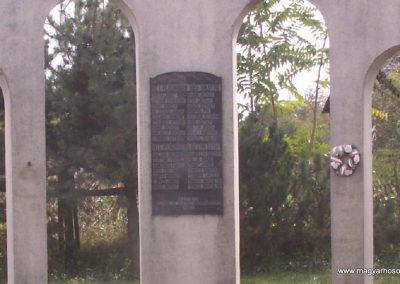 Szabolcs világháborús emlékmű 2007.10.25.küldő-Pepe05 (1)