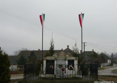 Szabolcsveresmart világháborús emlékmű 2009.12.28. küldő-Ágca