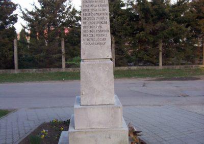 Szajol I.vh emlékmű 2009.04.02.küldő-miki (2)