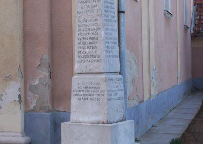 Szajol I.vh emlékmű 2009.04.02.küldő-miki