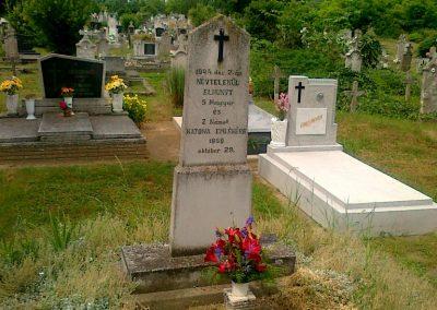 Szakály ismeretlen katonák sírja 2011.06.15. küldő-Csiszár Lehel