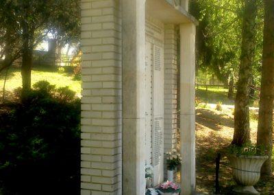 Szakcs világháborús emlékmű 2012.04.28. küldő-miki (4)