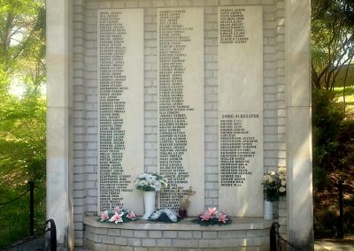 Szakcs világháborús emlékmű 2012.04.28. küldő-miki