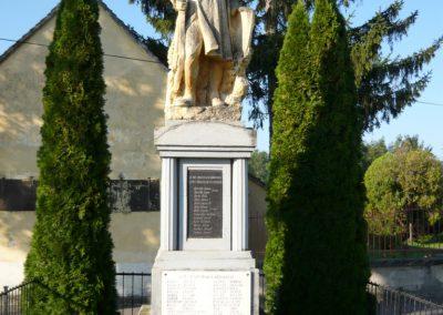 Szakony világháborús emlékmű 2010.09.23. küldő-Ágca (1)