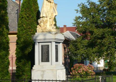Szakony világháborús emlékmű 2010.09.23. küldő-Ágca
