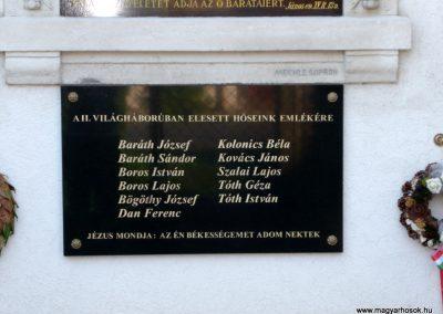 Szakony világháborús emléktáblák az evangélikus templom falán 2010.09.23. küldő-Ágca (3)