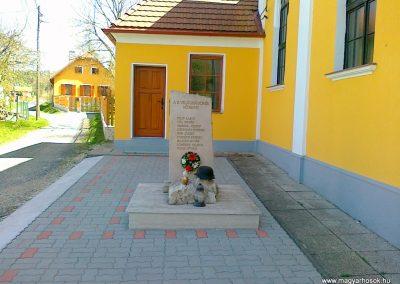 Szakonyfalu II.vh emlékmű 2011.04.10. küldő-Csiszár Lehel (1)