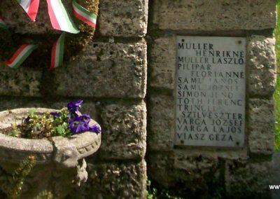 Szalapa világháborús emlékmű 2008.08.24. küldő-Vw golf (6)
