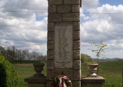 Szalapa világháborús emlékmű 2008.08.24.küldő-Vw golf (1)