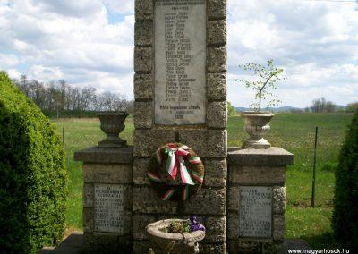 Szalapa világháborús emlékmű 2008.08.24.küldő-Vw golf (2)